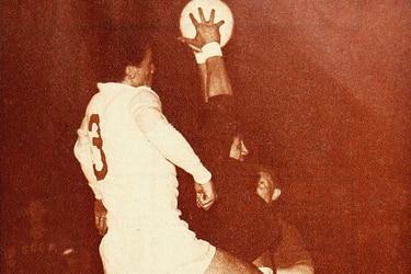 23 de febrero: Elías Figueroa debuta con la selección chilena (1966)