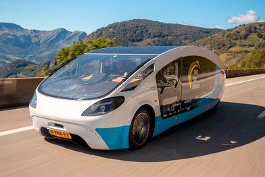 Esta casa rodante con energía solar promueve sustentabilidad en Europa
