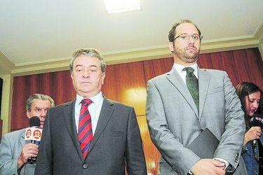 Los parlamentarios Issa Kort y Juan Antonio Coloma se reunen con el juez Mario Carroza