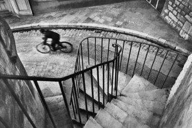 La bicicleta: cómo se hizo una de las fotografías más famosas de Cartier-Bresson