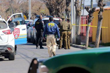 Carabineros detiene a un detective en medio de protesta en Puente Alto: versiones encontradas sobre lo que pasó