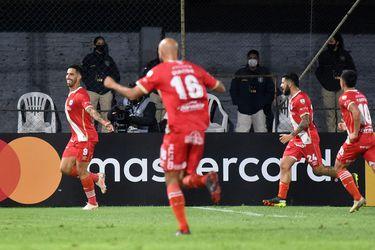 Argentinos vence a Atlético Nacional y le tiende una mano a Universidad Católica