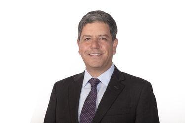"""Pedro Orellana, gerente división Banca Comercial de Santander Chile: """"La sustentabilidad se ha convertido en una verdadera hoja de ruta"""""""