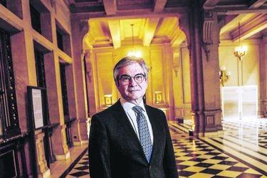"""Mario Marcel, presidente del Banco Central: """"La crisis no ha terminado (...) Es improbable que haya algún alza de tasas en 2021"""""""