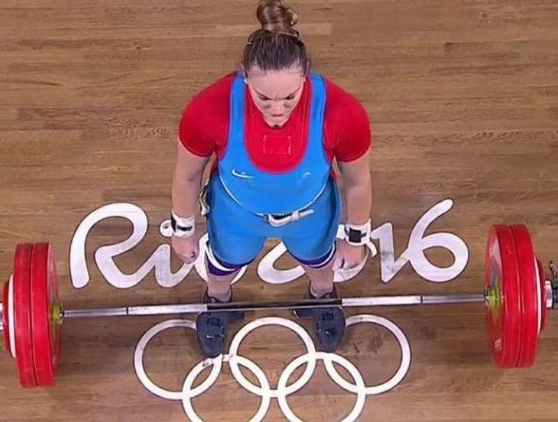 Arley Méndez y María Fernanda Valdés clasificaron a los Juegos Olímpicos de Tokio 2020 en el levantamiento de pesasas.