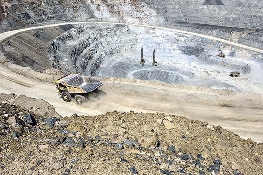 Tras una ajustada votación supervisores de mina Escondida aprueban oferta de la empresa y se evita huelga