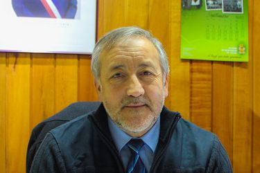 Con protección policial por amenazas quedó el alcalde de Angol tras ataque a radio local