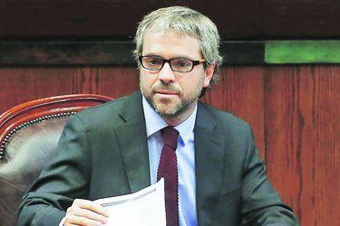"""Ministro Blumel apuesta por un sexto """"acuerdo nacional"""""""