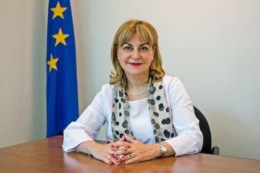 """Embajadora de la Unión Europea en Chile: """"Esta crisis no reconoce barreras sociales ni divergencias políticas, tampoco fronteras"""""""