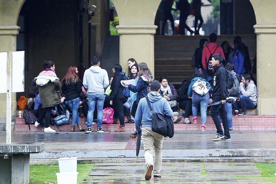 Imagen-Estudiantes-Universitarios-6