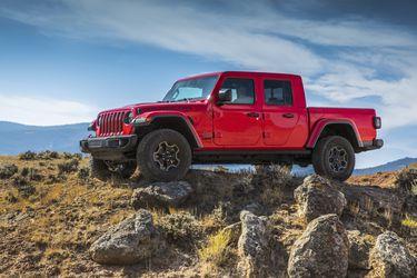 La camioneta Jeep Gladiator suma un motor turbodiésel V6 al portafolio