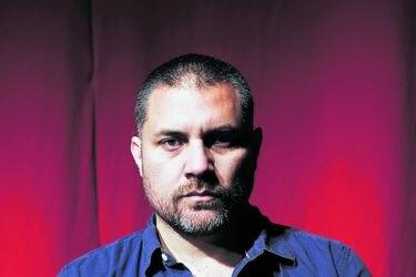 """Guillermo Calderón, director y dramaturgo: """"Hay mucho miedo por el futuro en la comunidad teatral """""""