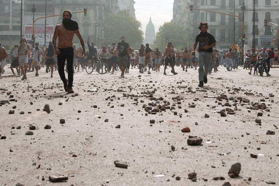 Buenos Aires, 2001. Photo: Ali Burafi / AFP.