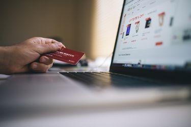 Compras informales en canales digitales suben en segundo trimestre ante fuerte impulso del e-commerce