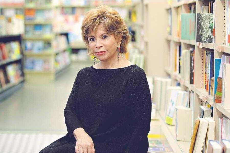 Portrait of Isabel Allende - 22/10/2015 - ©Leonardo Cendamo/Leemage CEN03557