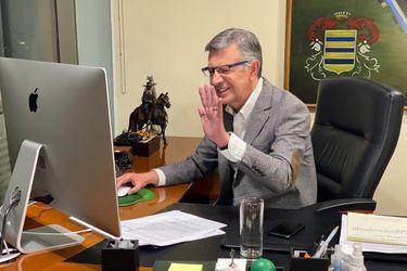 Consejo UDI nomina a Lavín como su abanderado y Matthei desiste de opción presidencial