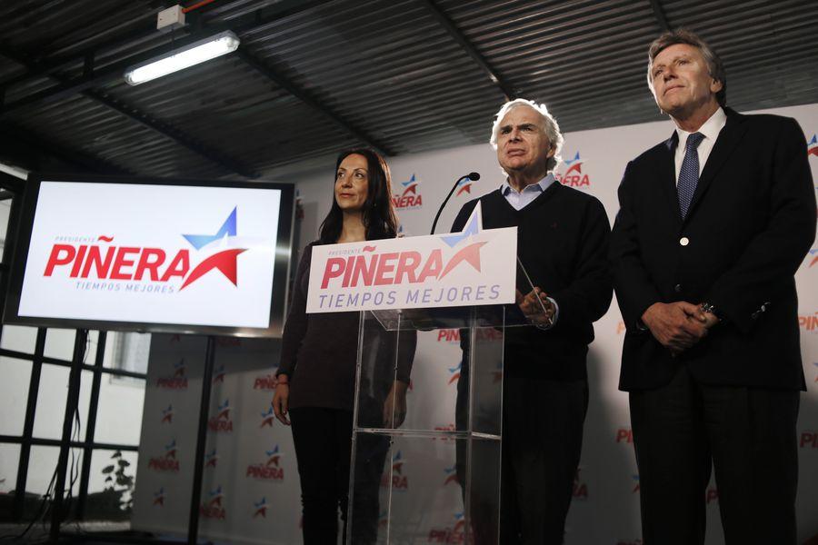 Voceros del comando de Sebastian Piñera realizan voceria sobre los resultados obtenido en las Primarias