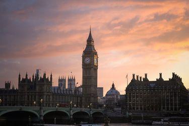Gobierno de Boris Johnson limitará entrada de inmigrantes sin estudios o que no hablen inglés