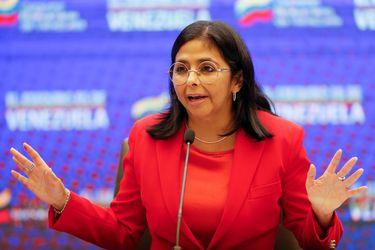 """Venezuela acusa a España de """"articular planes golpistas"""" con presidente colombiano Iván Duque"""