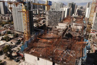 Inicio de proyectos de construcción cae 57% este año, pero se anticipa reactivación
