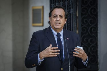 """Ministro del Interior valora detención de tres personas en Cañete con gran cantidad de armamento pero señala que """"creo que hay más células"""" delictivas en la zona"""