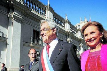 Sebastián Piñera abandona el Palacio de La Moneda