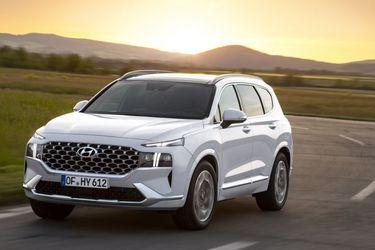 Los nuevos Hyundai Santa Fe híbrido e híbrido enchufable, movidos por 227 y 261 caballos