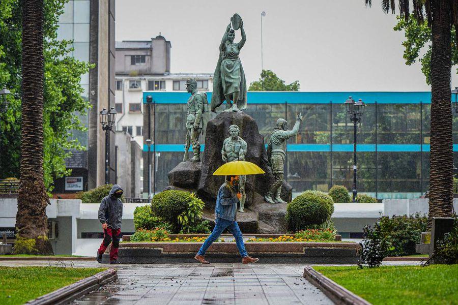 TEMUCO: Sistema frontal provoca intensas lluvias en pleno verano en la comuna