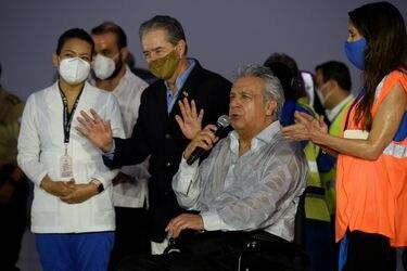 Ministro de Salud de Ecuador renuncia por escándalo de vacunas a familiares y funcionarios de gobierno