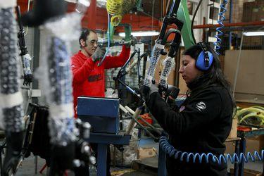 Desempleo se ubica sobre las expectativas del mercado y trepa a su nivel más alto en casi dos años