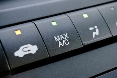 ¿Sabes cómo usar el botón de recirculación de aire de tu auto?