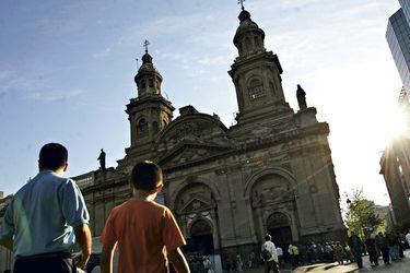 Iglesia de Santiago lanza su campaña de Navidad con video que alude al estallido social