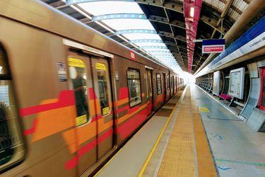 Metro: San José de la Estrella, Los Quillayes y Elisa Correa reabrieron hoy tras 11 meses cerradas