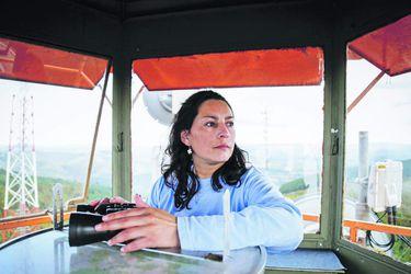 """Nancy Gallegos (40): """"Cuido el bosque a 30 metros de altura"""""""