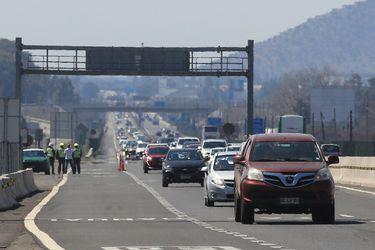 """""""Peaje a Luca"""", ampliación de pistas y restricción a camiones: ministro Moreno anuncia medidas para el retorno de vehículos"""