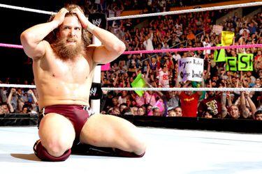 Daniel Bryan ya tendría el alta médica para volver a la WWE