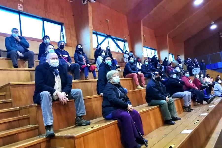El público en el gimnasio de Las Ánimas