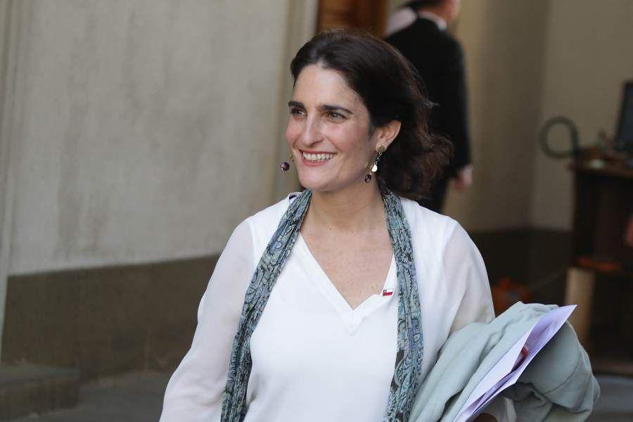 Ministra del Trabajo, María José Zaldivar se retira de La Moneda