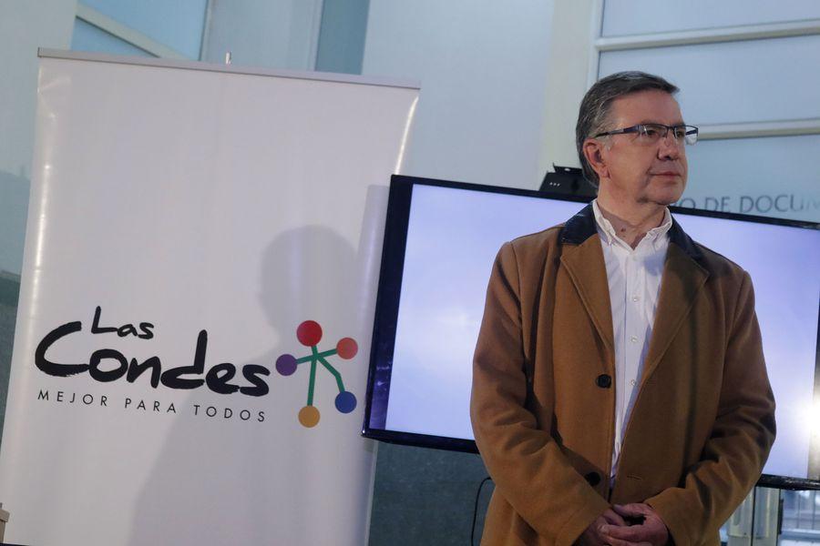 Firma de acuerdo entre Las Condes y Vitacura por uso de terrenos de Isla Lo Matta