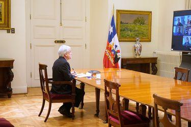 El por qué de una foto en solitario: Qué se juega Piñera con la temida votación del retiro de fondos de AFP