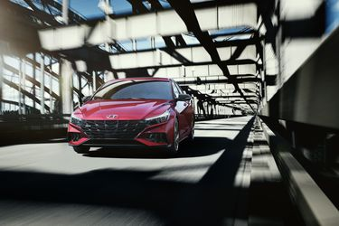 Hyundai despeina al Elantra con la nueva versión N Line