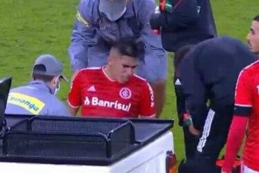 Lágrimas que se sienten hasta en Juan Pinto Durán: Carlos Palacios salió llorando tras una fuerte lesión de rodilla