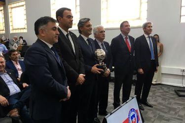 Sebastián Moreno comienza con problemas: uno de los directores renuncia a su cargo