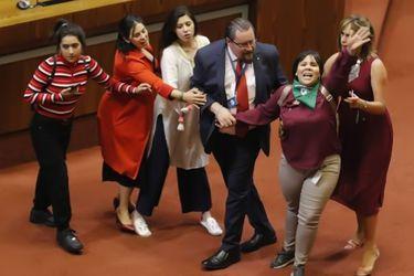 La trastienda de una tensionada sesión en el Congreso