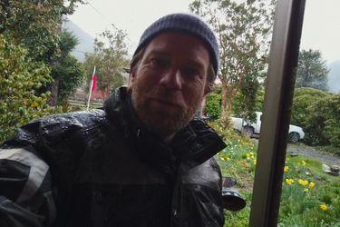 Terremotos, diluvios y el picor del ají: Ewan McGregor trepa por Chile