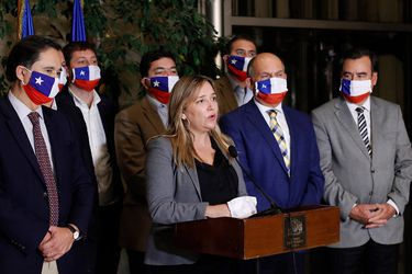 """Diputados UDI proponen al gobierno creación de penales """"especiales y específicos"""" para presos de pueblos originarios"""