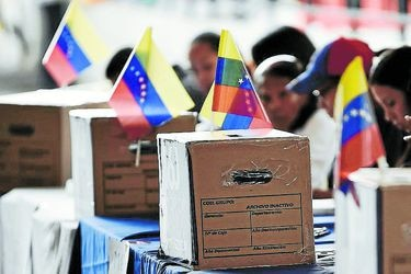 Voters Cast Their Ballots For Unofficial Plebiscite As Maduro Tries To Rewrite Constitution