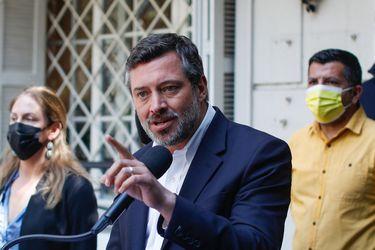 Columna de Héctor Soto: Duras disyuntivas