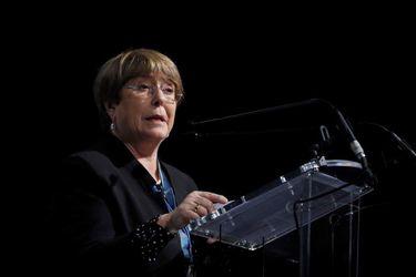 Activista mapuche encara en Ginebra a Michelle Bachelet