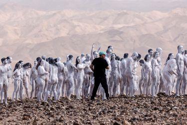 El regreso de Spencer Tunick: fotógrafo apela a un discurso ecologista y reúne a 300 personas desnudas